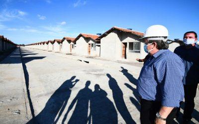 João Azevêdo faz visita técnica às obras de construção de 500 unidades habitacionais em Santa Rita