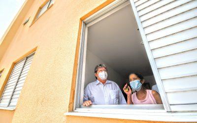 João Azevêdo entrega 128 apartamentos e beneficia mais de 500 pessoas em Bayeux